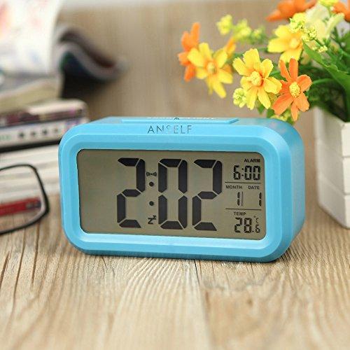 Anself LED Digital Alarma Despertador Reloj Repetición activada por luz Snooze Sensor de luz Tiempo...