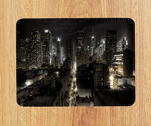 New York 57th PU-Leder-Mauspad PC-Pad für Büro/Zuhause - Weiche Haptik (18 x 22 cm) - Genähte Kanten - Abwischbar - Tolles Geschenk - Kann als Kleiner Platzdeckchen verwendet Werden