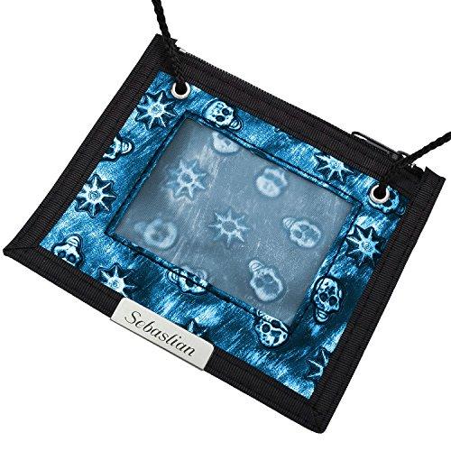 Cadenis Kinder-Brusttasche Brustbeutel mit persönlicher Laser-Gravur blau / schwarz Totenköpfe Querformat 12,5 x 11 cm