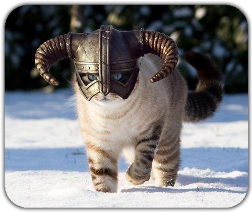 Preisvergleich Produktbild Allgemeine New Skyrim Katze Dragonborn flauschig Animal Majestic Nordic Snow Mauspad Mauspad