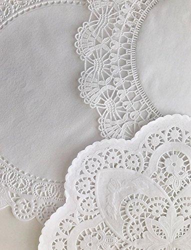 The Baker Celebrations Runde Spitzenpapier Deckchen - 12 Zoll weiße dekorative Spitzenpapier Deckchen; Auswahl von 3 verschiedenen Mustern (Packung à 30-10 Stück) -