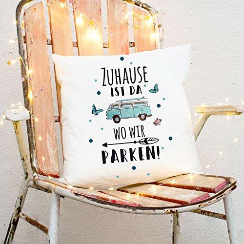 ilka parey wandtattoo-welt Kissen Surfbus Punkte & Spruch Dekokissen Zierkissen bedruckt mit Zitat Motto Slogan Zuhause ist da wo wir parken ks168