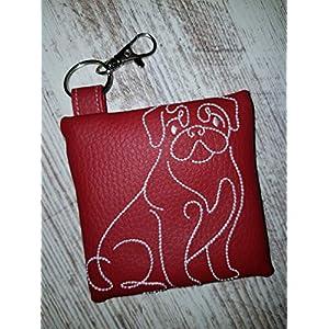 Kotbeutelspender für Hunde Mops aus pflegeleichtem Kunstleder rot