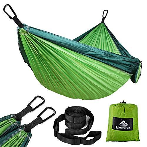 NatureFun Ultraleichte Reise Camping Hängematte | 300kg Tragkraft, (275 x 140 cm) Atmungsaktiv, Schnelltrocknendes Fallschirm Nylon | 2 x Premium Karabiner, 2 x Nylon-Schlingen Inbegriffen | Für Draußen Drinnen Garten (Hängematte Schwere)