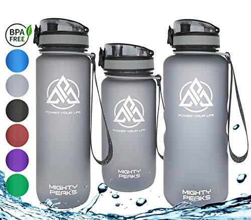 MIGHTY PEAKS Tritan Sport-Trinkflasche 1.5 Liter | BPA frei | 1500ml 1 5 Liter 1,5 Liter | Wasserflasche 1,5 Liter | Grau, Grey | Ideale Sportflasche für Fahrrad, Fitness, Fussball, Kinder, Sport
