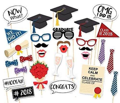 8 Photo Booth Props Senior Jahr Graduierung Trencher Caps Fliege Brillen lustige Bilder Pose Zeichen Kit für Graduation Party Favors Supplies Pack 30st (Party Supplies For Graduation)