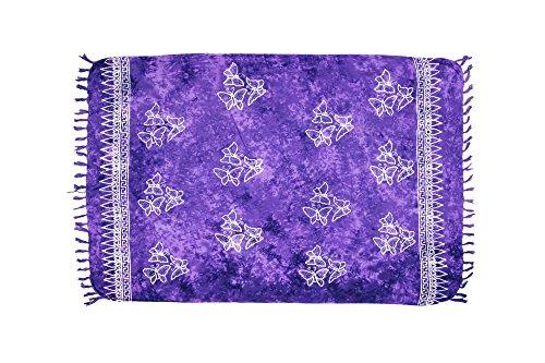 MANUMAR Damen Sarong Blickdicht | Pareo Strandtuch | Leichtes Wickeltuch in lila mit Schmetterling-Motiv mit Fransen/Quasten | 155x115 cm | Sauna-Handtuch | Haman-Tuch | Bikini | Bali
