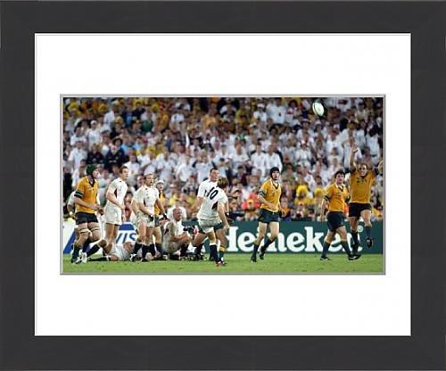 framed-print-of-jonny-wilkinson-kicks-the-winning-drop-goal-in-the-2003-world-cup-final