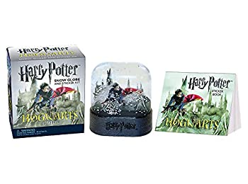 Harry Potter Hogwarts Şatosu Kar Küresi ve Çıkartma Kitapçığı