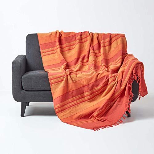 Homescapes Tagesdecke / gestreifter Sofaüberwurf Morocco in Terrakotta-Orange 225 x 255 cm - handgewebt aus 100% reiner Baumwolle mit Fransen