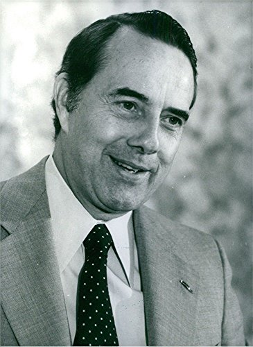 vintage-photo-of-portrait-of-robert-joseph-bob-dole