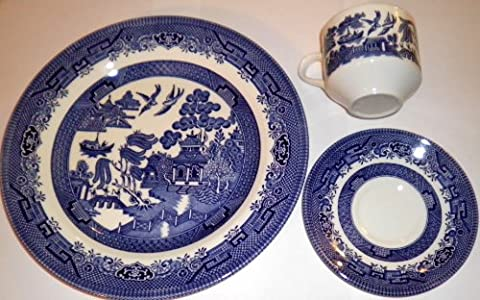 Churchill Blue Willow 3 Piece Dinner Set, Plate, Cup, Saucer by Churchill of England