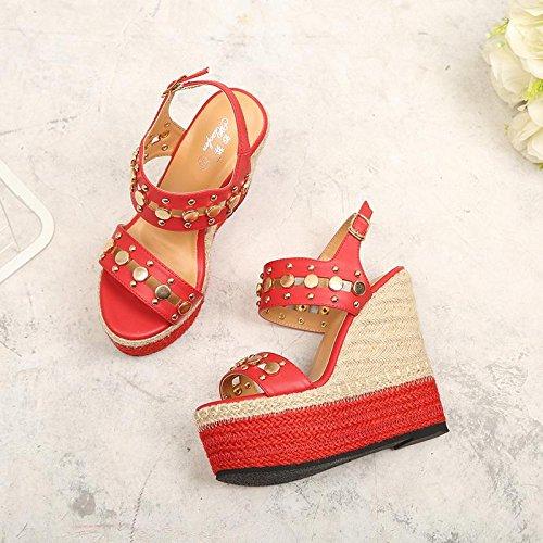 LvYuan Sandali di estate delle donne / tacco ultra sottile sexy / piattaforma impermeabile / intreccio della paglia / tallone di cuneo / fibbia di rivetto / ufficio & carriera / scarpe romane Red