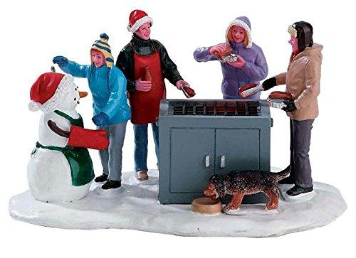 Lemax Snowy BBQ - beleuchteter Grill - 4,5V/Batteriebetrieben - Weihnachtsdorf Zubehör - Christmas Village (Weihnachtsdorf Figuren)