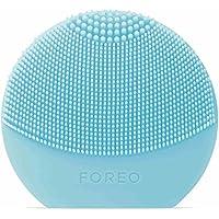 LUNA Play Plus de FOREO es el cepillo facial recargable de silicona, Mint. Con pilas recambiables y resistente al agua, el cepillo facial para todo tipo de piel