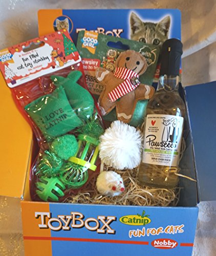 CAT CHRISTMAS GIFT TOY BOX WITH TOY STOCKING CATNIP GINGERBREAD MAN FLUFFY CATNIP SNOWBALL CATNIP MOUSE & CAT WINE