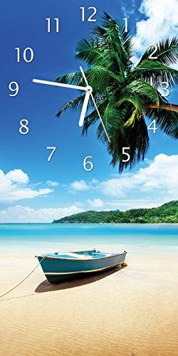 Palme Uhr (Wallario Design Wanduhr Urlaub am Palmenstrand unter Palmen mit Fischerboot aus Acrylglas, Größe 30 x 60 cm)