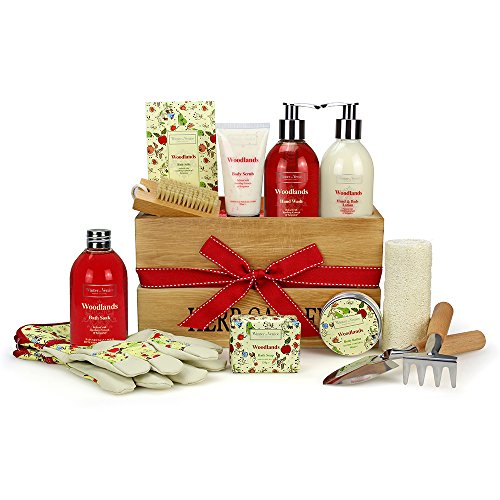 winter-in-venice-woodlands-wooden-storage-box-luxurious-toiletries-infused-with-natural-fruit-and-pl