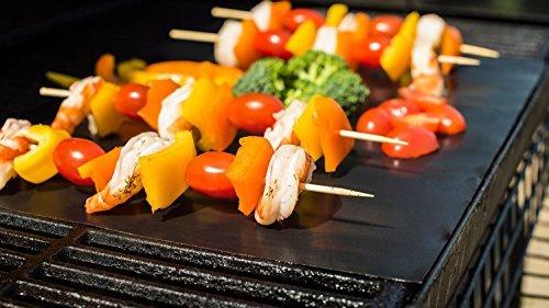 Set di 2 più di alta qualità BBQ Grill & Baking Mats [come visto in TV] | 100% Non-Stick | riutilizzabile per anni | Made in dotazione dalla FDA certificata | gratuito di PFOA | funziona su qualsiasi barbecue grill o del forno di cottura Pan Liners | Taglia per adattarsi | lavastoviglie | Garanzia a vita con No-Hassle rimborso se non siete soddisfatti al 100%!