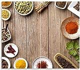Wallario Herdabdeckplatte/Spritzschutz aus Glas, 2-teilig, 60x52cm, für Ceran- und Induktionsherde, Gewürze in Schüsseln auf Einem Alten Holztisch in der Küche