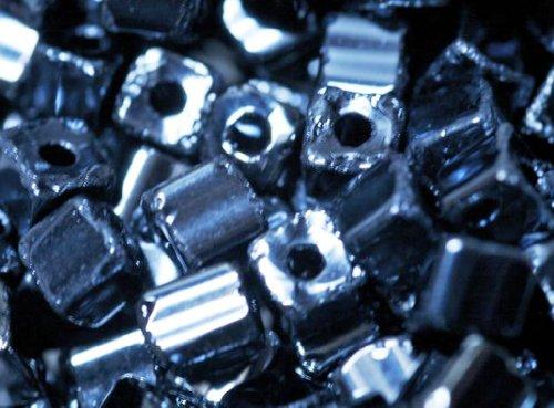 perlina-di-vetro-tubi-24-grammi-geometrie-ematite