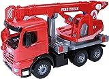 Lena 02175 - Starke Riesen Feuerwehr Kranwagen Mercedes Benz Arocs, rot, ca. 70 cm, Kranauto mit 3 Achsen, großes Spielfahrzeug für Kinder ab 3 Jahre, robuster Feuerwehrkran mit Seilwinde bis 1,05 m Vergleich