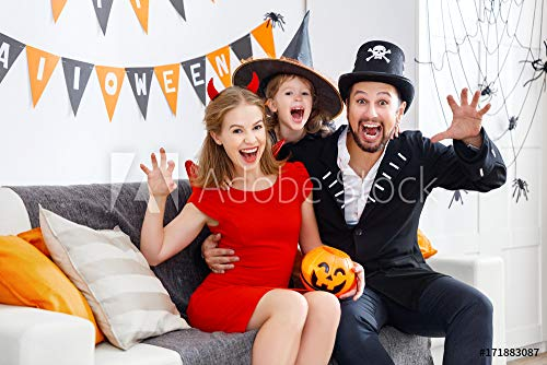 druck-shop24 Wunschmotiv: Happy Family in Costumes Getting Ready for Halloween at Home #171883087 - Bild als Foto-Poster - 3:2-60 x 40 cm / 40 x 60 cm (Halloween Costume Stock-fotos)
