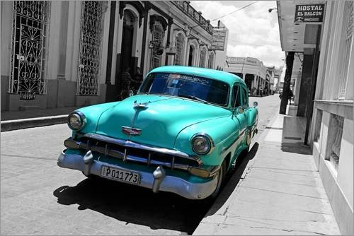 Posterlounge Acrylglasbild 90 x 60 cm: Colorspot - Oldtimer in denStraßen von Santa Clara, Kuba von HADYPHOTO by Hady Khandani - Wandbild, Acryl Glasbild, Druck auf Acryl Glas Bild -