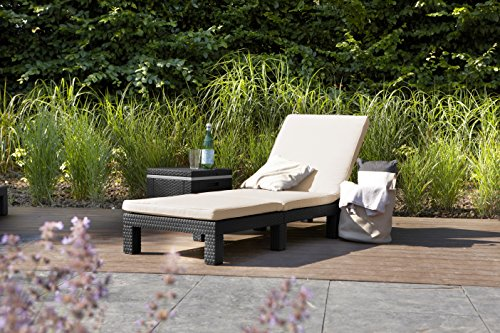 The comes at a price just over £100 which is quite pocket friendly for such a stylish sun lounger. On Amazon.co.uk it has received positive reviews for its structure. The product has received over 100 reviews most of which are very positive.