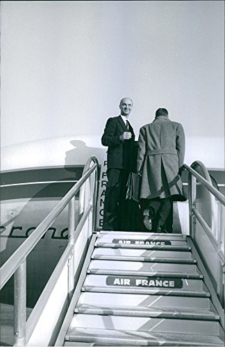 vintage-photo-of-1964men-boarding-in-the-airplaneair-france