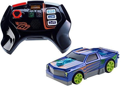Mattel Hot Wheels FBL86 - Smart Car Street - Coche teledirigido y mando