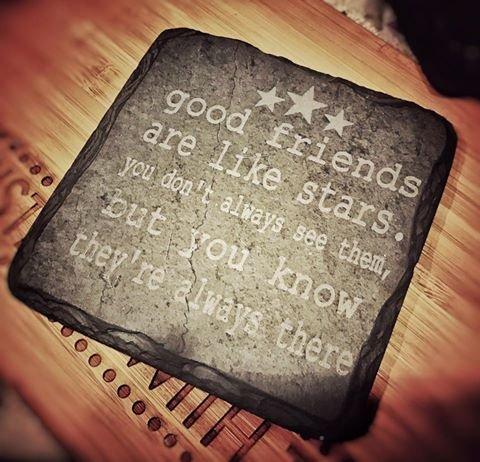 Gute Freunde sind wie Sterne?11cm?Untersetzer aus Schiefer, quadratisch?Best, spezielle Freund Geschenk, Junggesellinnenabschied, Geburtstag, Weihnachten oder Thank You