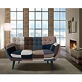 Il divano LISBON fa parte di una gamma di imbottiti,divani e accessori in grado di arredare con personalità, funzionalità e comfort tutte le case con le più diverse esigenze abitative e che riescono a coniugare e far convivere un design dall'...