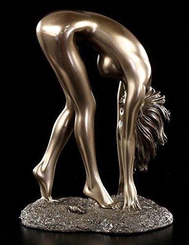 Weiblicher Akt Unterwerfung Frau steht gebückt bronziert Figur Skulptur