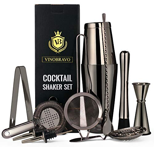 11-Teiliges Boston Cocktailshaker/Cocktail Mixer Set von VinoBravo: 2 gewichtete Cocktail Shaker, Barsieb-Set, Doppeljigger, Barlöffel, Barstößel & Tong, 2 Spirituosenausgießer & Cocktailrezeptbuch
