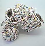 Patucos de ganchillo, clásicos, hechos a mano, para bebés de 0-3 meses. Temporada Otoño-Invierno 100% Acrílico libre de productos químicos.