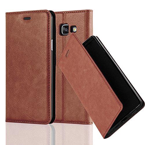 Cadorabo Hülle für Samsung Galaxy A3 2016 (6) - Hülle in Cappuccino BRAUN - Handyhülle mit Magnetverschluss, Standfunktion und Kartenfach - Case Cover Schutzhülle Etui Tasche Book Klapp Style Klapp-handy