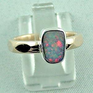 Designer Goldring mit White Opal in einer Sterling Silber Fassung