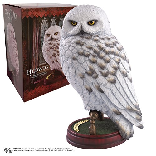 Hedwig-95-inch-Resin-Sculpture-NOBLE-COLLECTION