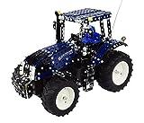 Tronico 10057 - Metallbaukasten Traktor New Holland T8 mit Fernsteuerung, Profi Serie, Maßstab 1:16, 732-teilig, blau