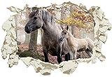 Unified Distribution Pferd mit Fohlen im Wald - Wandtattoo mit 3D Effekt, Aufkleber für Wände und Türen Größe: 92x61 cm, Stil: Durchbruch