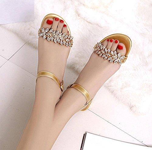 Im Sommer mit Strass-Sandalen Frauen flachen Sandalen und Pantoffeln, dick mit offenen Sandalen wilde Frau Gold