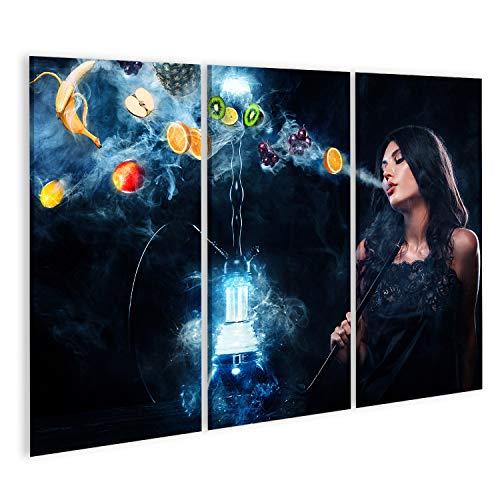 Bild Bilder auf Leinwand Junge, schöne Frau im Nachtclub, in der Bar eine Shisha oder Shisha Rauchen. Die Freude am Rauchen. Früchte im Rauch. Platz kopieren. Wasserpfeifenwerbung Konzept. W