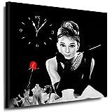 Julia-Art Bilder - Audrey Hepburn Leinwandbild - 60x60cm Wandbild mit Uhr - Wanduhr Geräuschlos Küchenuhr Kunstdruck Fertigbild sofort aufhängbar