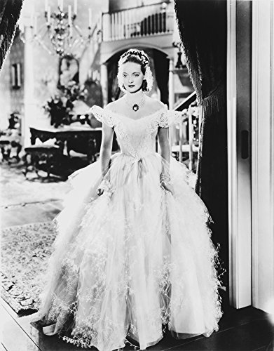 Ruffled Silk Top (The Poster Corp Bette Davis Posed in White Ruffled Top Chiffon Silk Cake Gown and Gem Necklace Photo Print (60,96 x 76,20 cm))