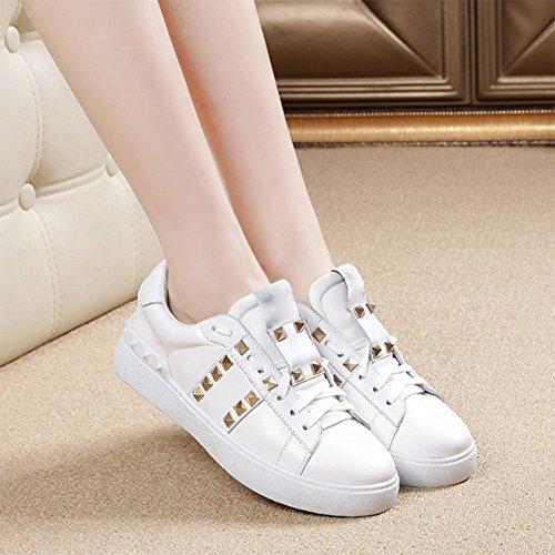Mme automne chaussures d'ascenseur à fond épais chaussures en dentelle chaussures plates dame femmes rivets chaussures de sport occasionnels White