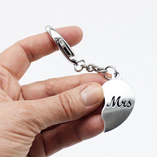 """COM-FOUR® 2-teiliges Set Schlüsselanhänger """"Mr.&Mrs."""" aus Edelstahl, ca. 5 cm, in Geschenkbox"""