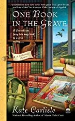 [ ONE BOOK IN THE GRAVE (BIBLIOPHILE MYSTERIES) - LARGE PRINT ] One Book in the Grave (Bibliophile Mysteries) - Large Print By Carlisle, Kate ( Author ) Oct-2012 [ Paperback ]