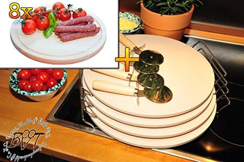 4 Stück MASSIVER ca. 2 KG Pizzastein, Heisser Stein aus Thermo-Ton KOMPLETT mit verchromter Stahlhalterung, Größe ca. 33 cm x 12 mm & 8 Stk. Hochwertiges, dickes ca. 16 mm Buche - SPÜLMASCHINENFEST '*' -Grill-Holzbrett mit Rillung natur, Maße rund ca. 25 cm Durchmesser als Bruschetta-Servierbrett, Brotzeitbrett, Bayerisches Brotzeitbrettl, NEU Massive Schneidebretter, Frühstücksbretter,
