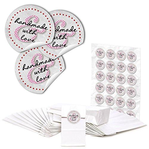 """Preisvergleich Produktbild 48 weiße Papier-Tüten-Beutel + Boden Papiertüten Geschenktüten f. Mitgebsel Gastgeschenke... (7 x 4 x 20,5 cm) und 48 runde Aufkleber Sticker """"handmade & with love"""" zum liebenvollen Verpacken von Pralinen, Tee und kleinen Geschenken; 1a Qualität!"""